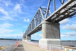 中俄首座跨界河铁路桥中方段主体完工
