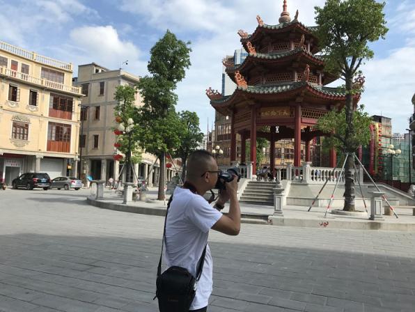 收藏心间的昔日荏苒时光勾勒成画 庄泰宇和他笔下的小公园