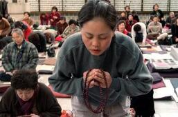 """韩国60万考生迎高考 客机""""让路"""" 举国相助"""