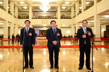 十三届全国人大一次会议开启第五场代表通道