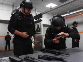兰州铁路特警进行实战对抗训练