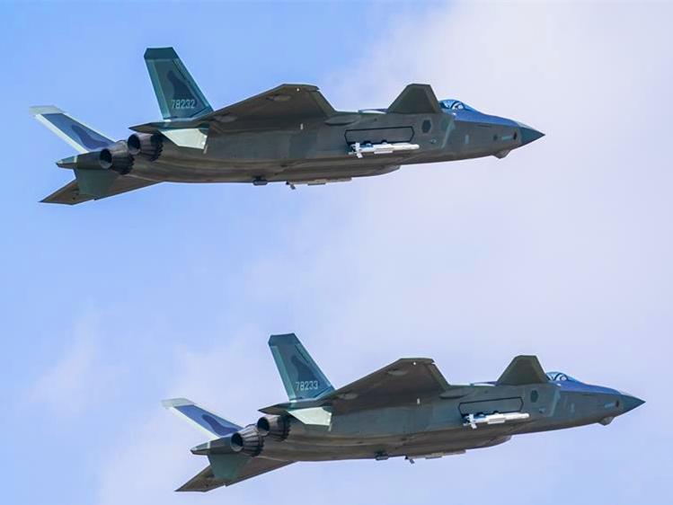 """空军航空开放活动""""第一现场""""透射强国兴军新航迹"""
