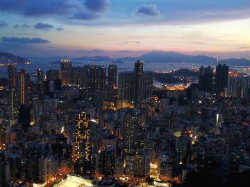 香港教育局:香港学校明日继续停课 最快将于19日复课