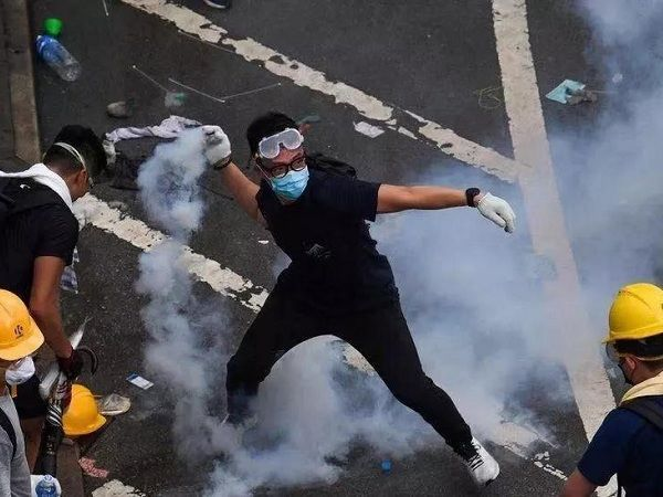 """""""香港人权与民主法案"""" 里有哪些内容?美国到底想干吗?"""