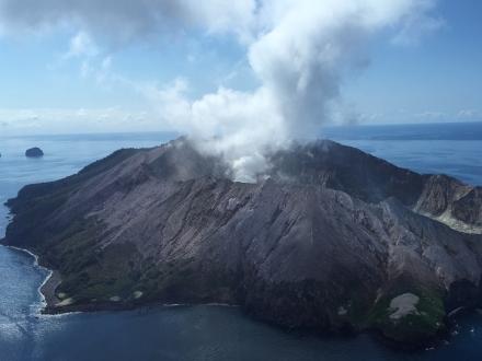 火山喷发后又地震 新西兰救援受阻