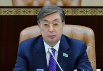 哈萨克斯坦新任总统托卡耶夫宣誓就职