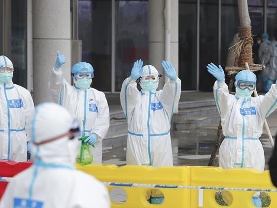 治病,也治心!——武汉市首个中医方舱医院首批患者治愈出院