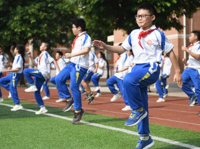 七部门:保障一线体育教师薪酬方面合理待遇