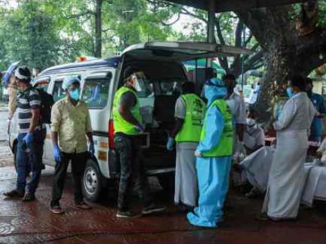 印媒:参与印度客机事故救援的22名官员确诊新冠