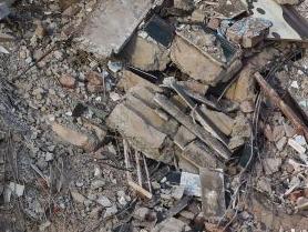 印度馬哈拉施特拉邦一居民樓倒塌至少8人死亡