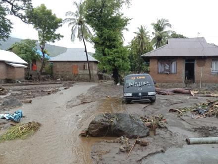 印尼洪灾已致68人死亡70人失踪